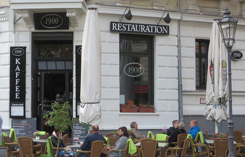 Restauration 1900, Berlin - the only eatery in town that serves up the traditional 'Berliner Schnitzel'