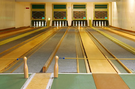 Guide to Berlin: the vintage bowling alleys hidden in bar