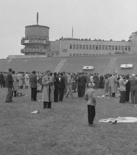 Historic photoo of the AVUS racetrack showing the control tower, now a motel, Berlin